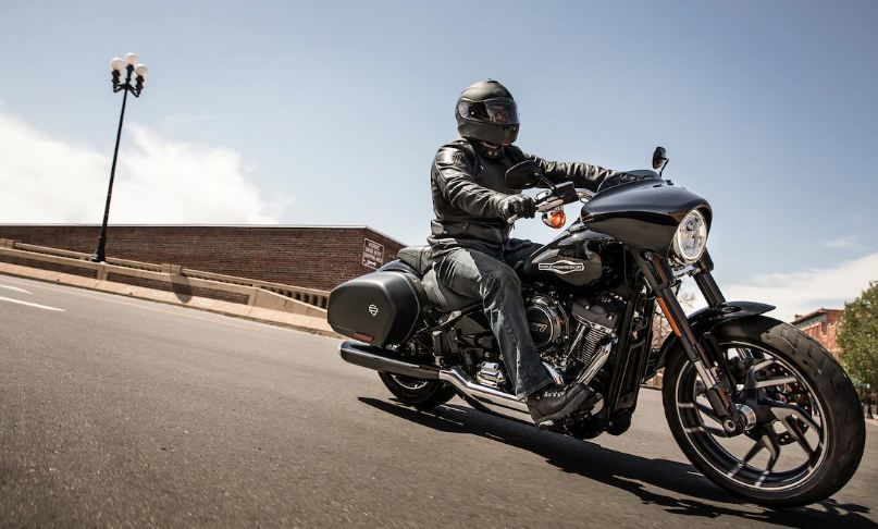 Harley-Davidson Sport Glide: A sports bagger, the Sport Glide from Harley-Davidson promises to have an engaging handling and a powerful motor to roar with force and style. Powered by the Milwaukee-Eight 107 engine, the Sport Glide has a six-speed gearbox and is absolutely certain to turn heads on the road.