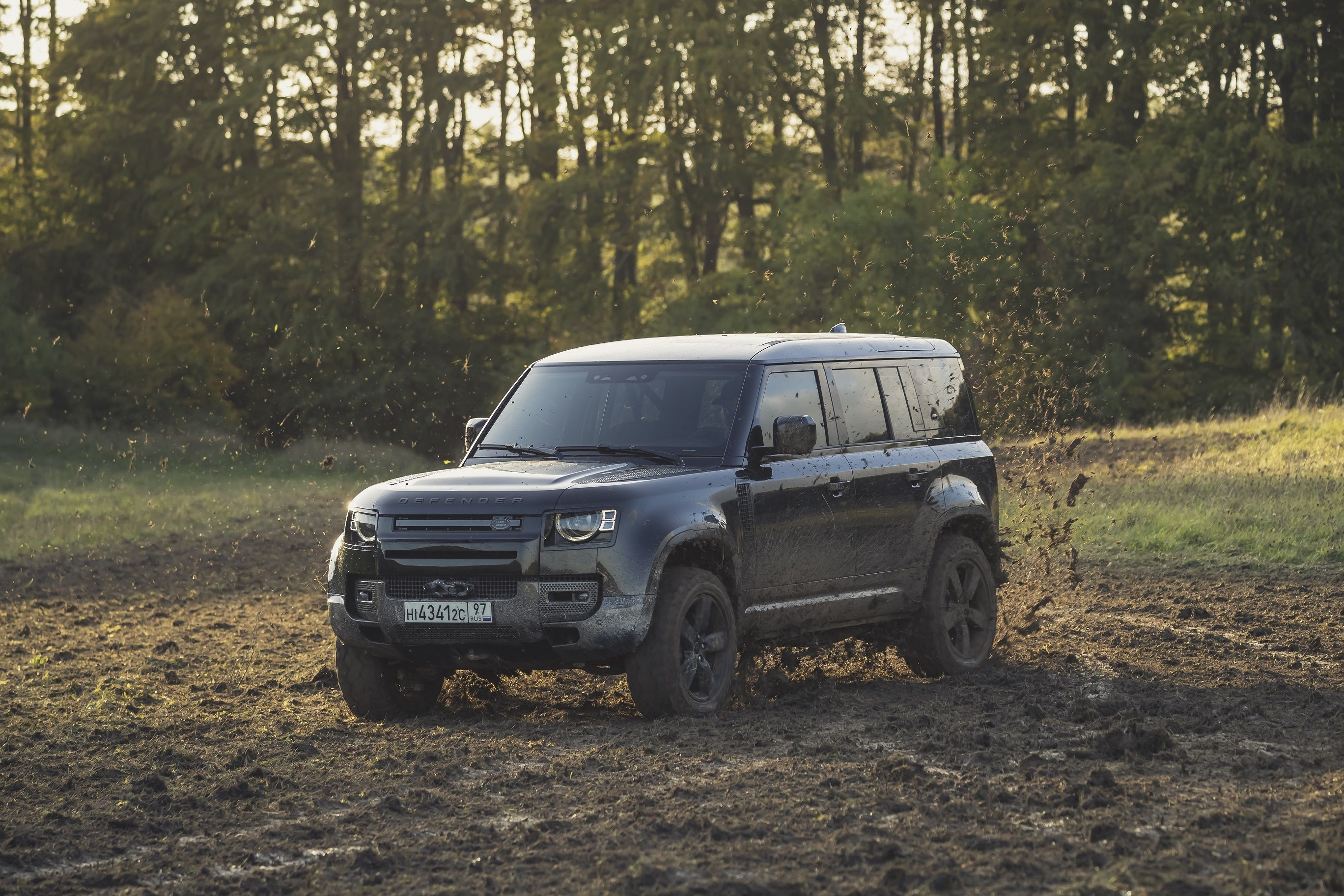 The next edition of the James Bond series is scheduled for an April 2020 release. While die-hard 007 fans can't keep calm, auto enthusiasts too have been hunting for scoops on all the stunt vehicles being used. The hunt ends here. It's the new Land Rover Defender.