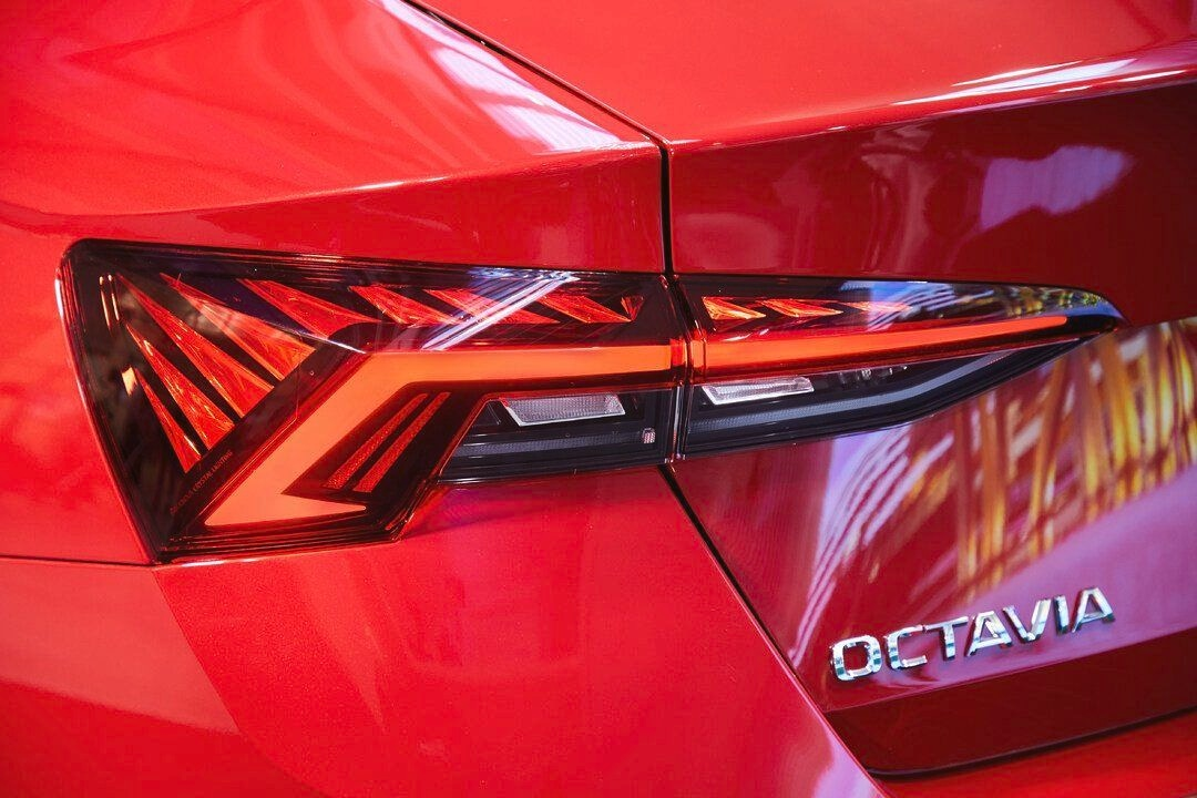 The headlights as well as tail lights make use of LEDs while Matrix LED technology will also be on offer as an optional. (Photo: Twitter/SkodaAutoNews)