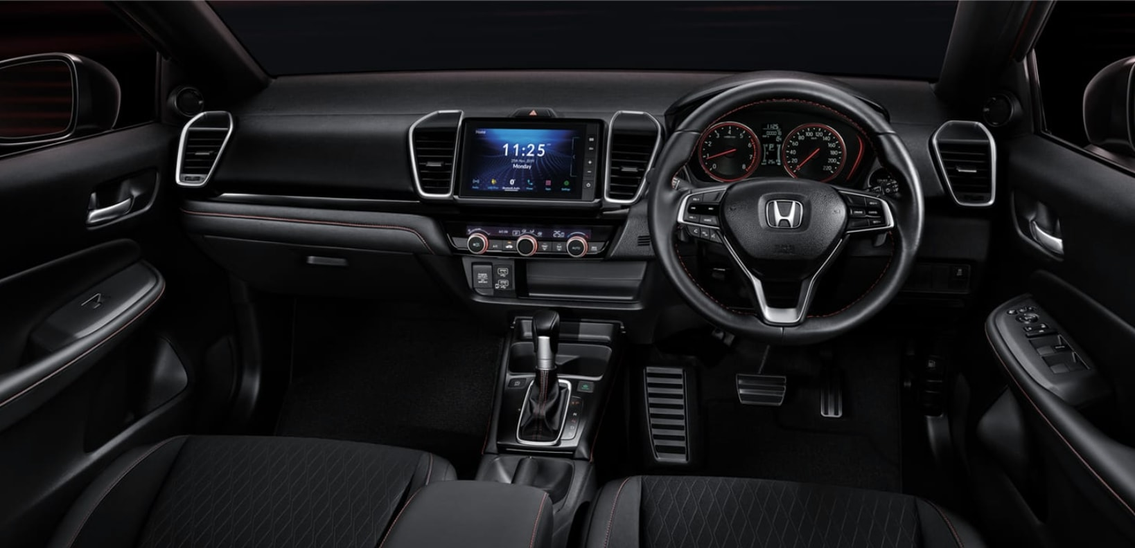 On the inside, Honda have once again chosen to keep the profile minimal as well as aesthetic. Photo courtesy: https://www.honda.co.th/city