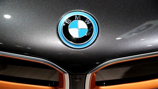 A BMW i8 is displayed at the LA Auto Show in Los Angeles. (REUTERS)