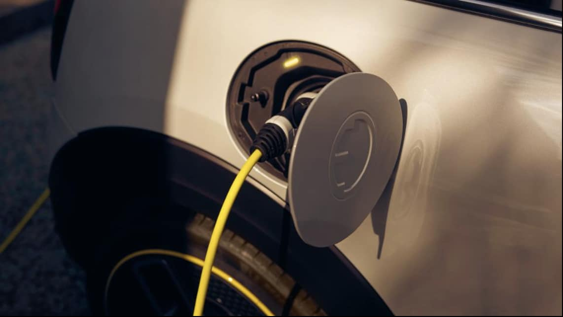 Powered by lithium-ion batteries, MINI Electric comes with both a fast-charging AC cable as well as standard three-pin plug sockets. (Photo courtesy: www.mini.co.uk)