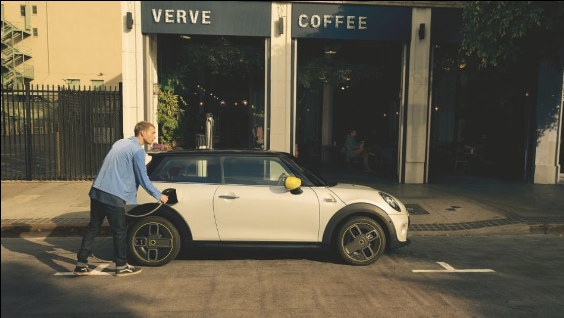 BMW claims the hatchback can attain 0-80% charge within 36 minutes with DC rapid charger. (Photo courtesy: @MINI)