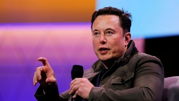 FILE PHOTO: Tesla CEO Elon Musk gestures during a conversation at the E3 gaming convention in Los Angeles, California, U.S., June 13, 2019. REUTERS/Mike Blake (REUTERS)