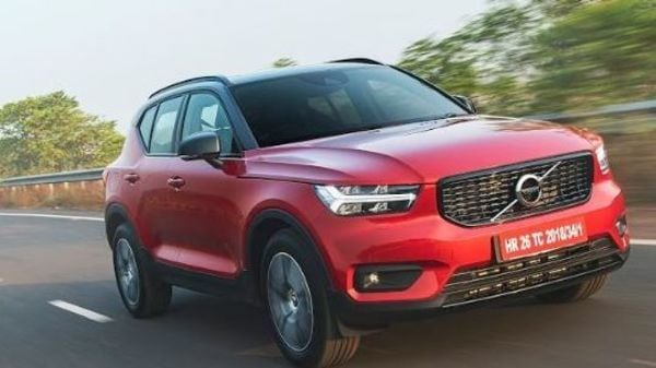 The 2.0-litre turbo petrol engine has superb levels of refinement and manages to gobble up miles with considerable ease. There is 190 hp of power and 300 Nm of torque.
