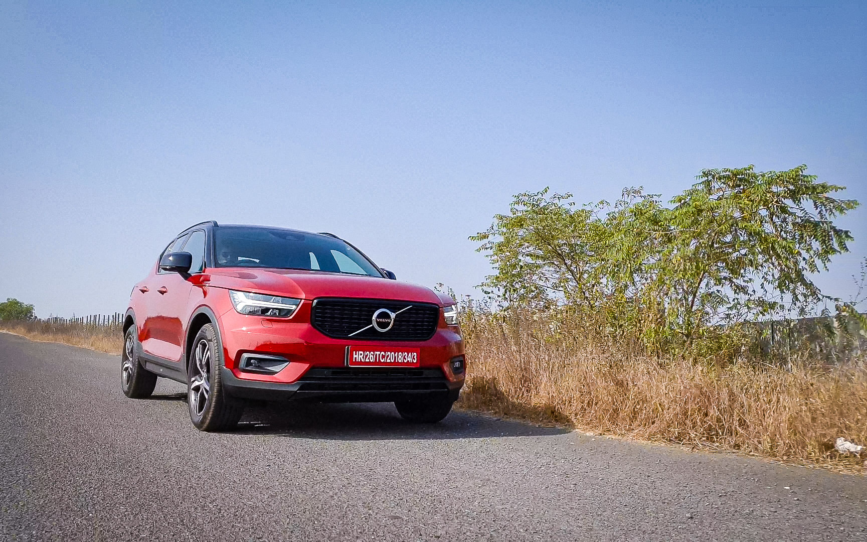 The SUV gets radar-based safety which is highlighted by lane assist system, adaptive cruise control, collision mitigation system, ABS with EBD, 360 degree proximity sensors, tyre pressure monitoring system, six airbags, hill descent control, reverse camera, among many others. (HT Auto photo)