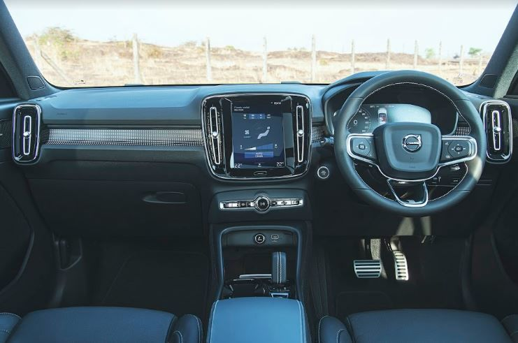 The cabin of the XC 40 T4 R-Design ticks most of the right boxes with a nine-inch vertical touchscreen on the center console, new steering, soft-touch materials on the dash and black seats. The carpet-like materials used on all four doors on the inside, however, could have been replaced and the rear seats are a bit too upright for comfort on long drives.