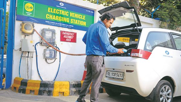 53% of those surveyed do not want to pay more than ₹1 lakh premium for EVs over diesel or petrol variants.
