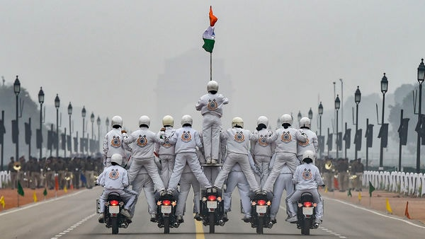An all-woman bikers' team of CRPF 'Daredevils' motorcycle stunt team during the rehearsals for the upcoming Republic Day parade at Rajpath in New Delhi, Monday, Jan. 20, 2020. (PTI Photo/Kamal Singh) (PTI)