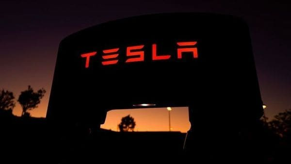 FILE PHOTO: A Tesla supercharger is shown at a charging station in Santa Clarita, California, U.S. October 2, 2019. REUTERS/Mike Blake/File Photo (REUTERS)