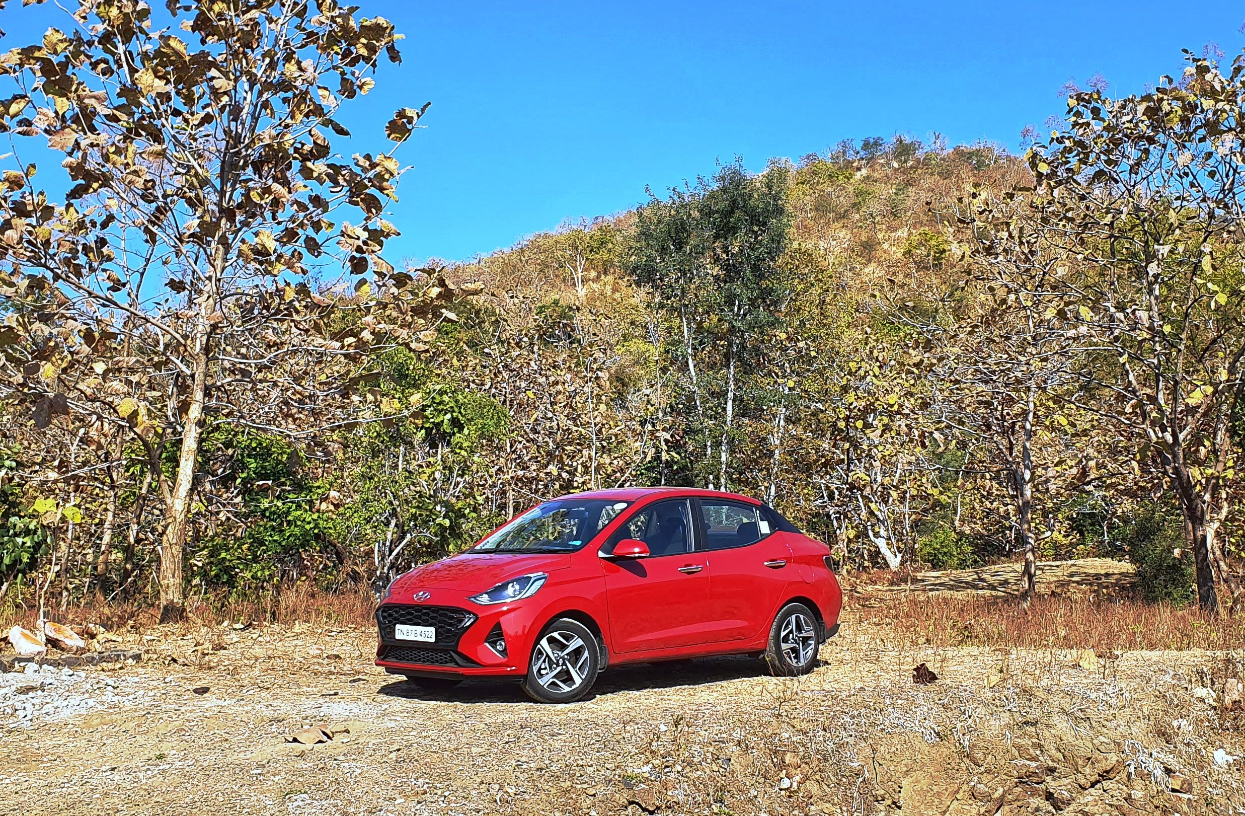 Hyundai has brought the all-new Aura compact sedan in the Indian market which will stand besides Xcent but will target the more premium car buyer. It boasts of a number of engine options, a solid warranty package and several segment-first features. (Sabyasachi Dasgupta/HT Auto Photo)