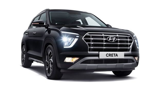 The front profile of new Creta from Hyundai is defined by sleek DRLs and projector headlights. The cascading grille replaces the three-slat grille on the predecessor. It also gets BS 6-compliant 1.5-litre petrol and diesel engines and a 1.4-litre turbo petrol.