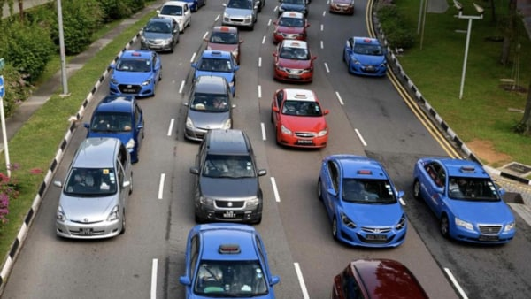 File photo of traffic in Singapore (AFP)