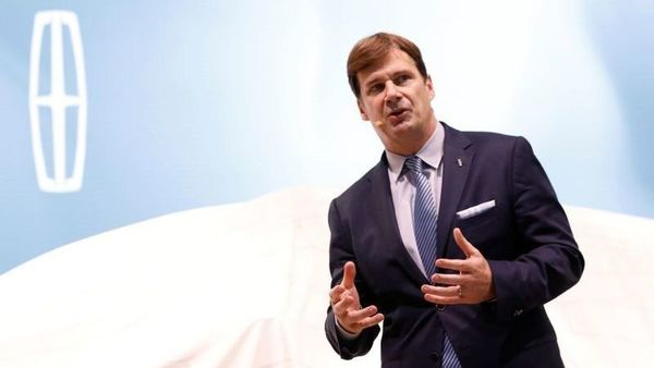 FILE PHOTO: Jim Farley, President, Global Markets, Ford Motor Company, speaks during the Lincoln presentation at the New York Auto Show in the Manhattan borough of New York City, New York, U.S., March 28, 2018. REUTERS/Brendan McDermid/File Photo (REUTERS)