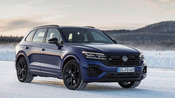 The Volkswagen Touareg R features the black style exterior design package along with 20-inch alloy wheels.