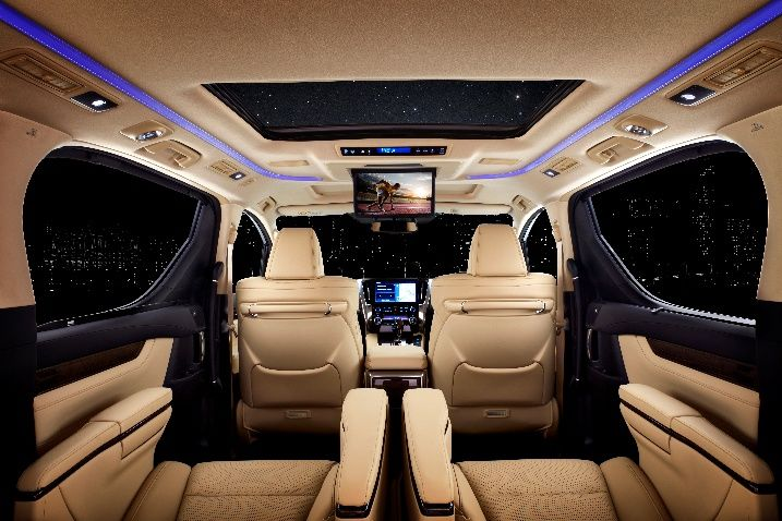 The cabin of the Vellfire is a stunning example of opulence. The front passenger and the middle row seats offer electronically-powered ottomans for additional leg support. These seats also offer heating and cooling features.