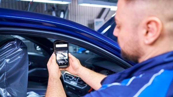 Quality check with AI-based image recognition at an assembly inside BMW Group Plant in Munich.
