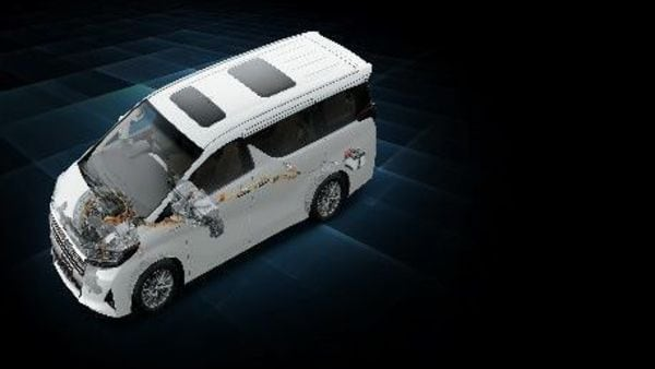 The Vellfire from Toyota makes use of a gasoline hybrid engine which ensures a strong drive performance.