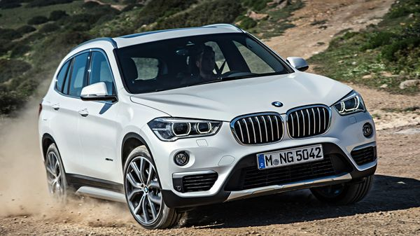 BMW has launched the 2020 X1 facelift in India at a starting price of  <span class='webrupee'>₹</span>35.90 lakh. The entry-level luxury SUV gets two petrol and two diesel engine options.