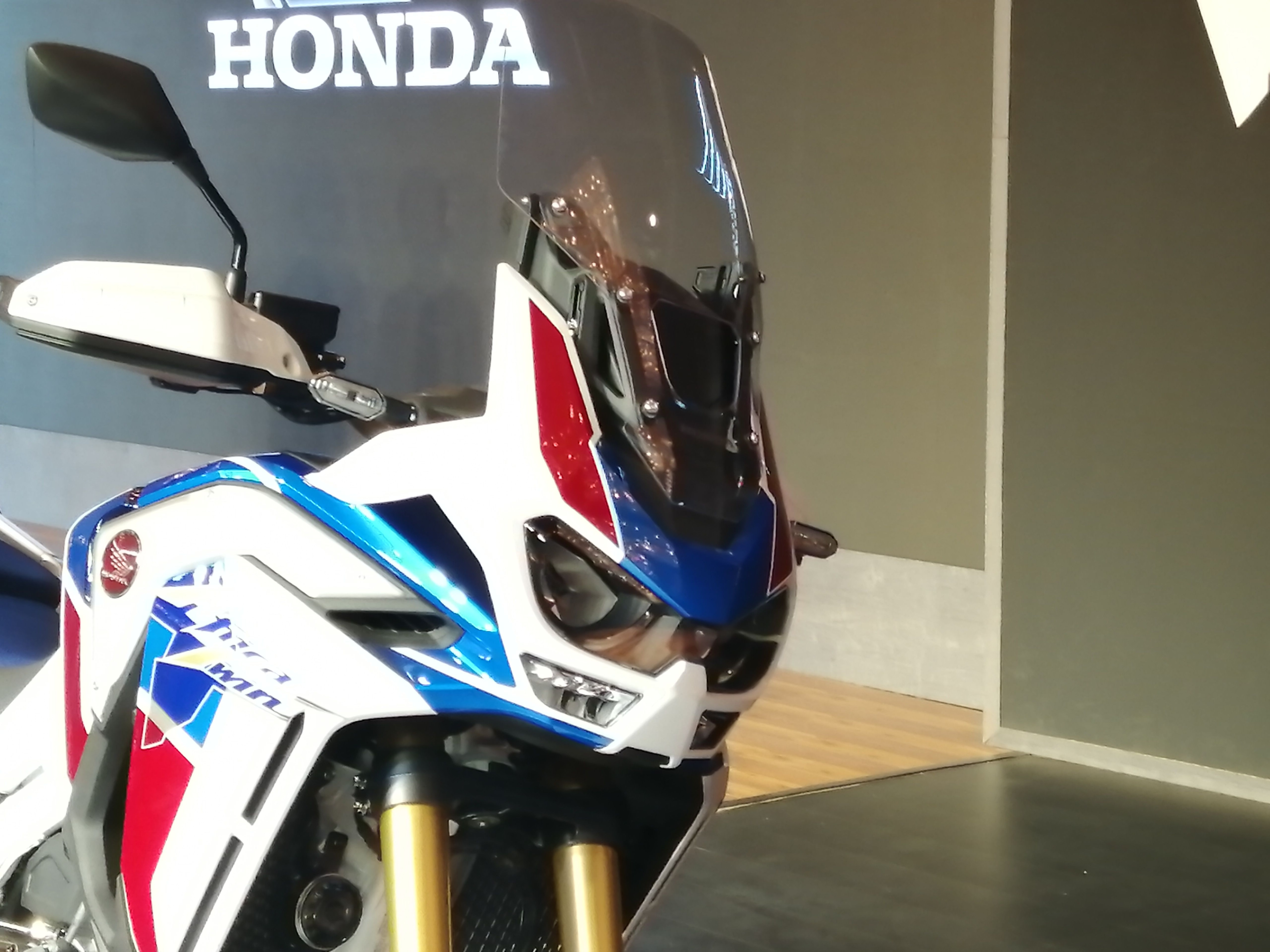 The Africa Twin 2020 gets a 5-stage adjustable windscreen and heated grips.