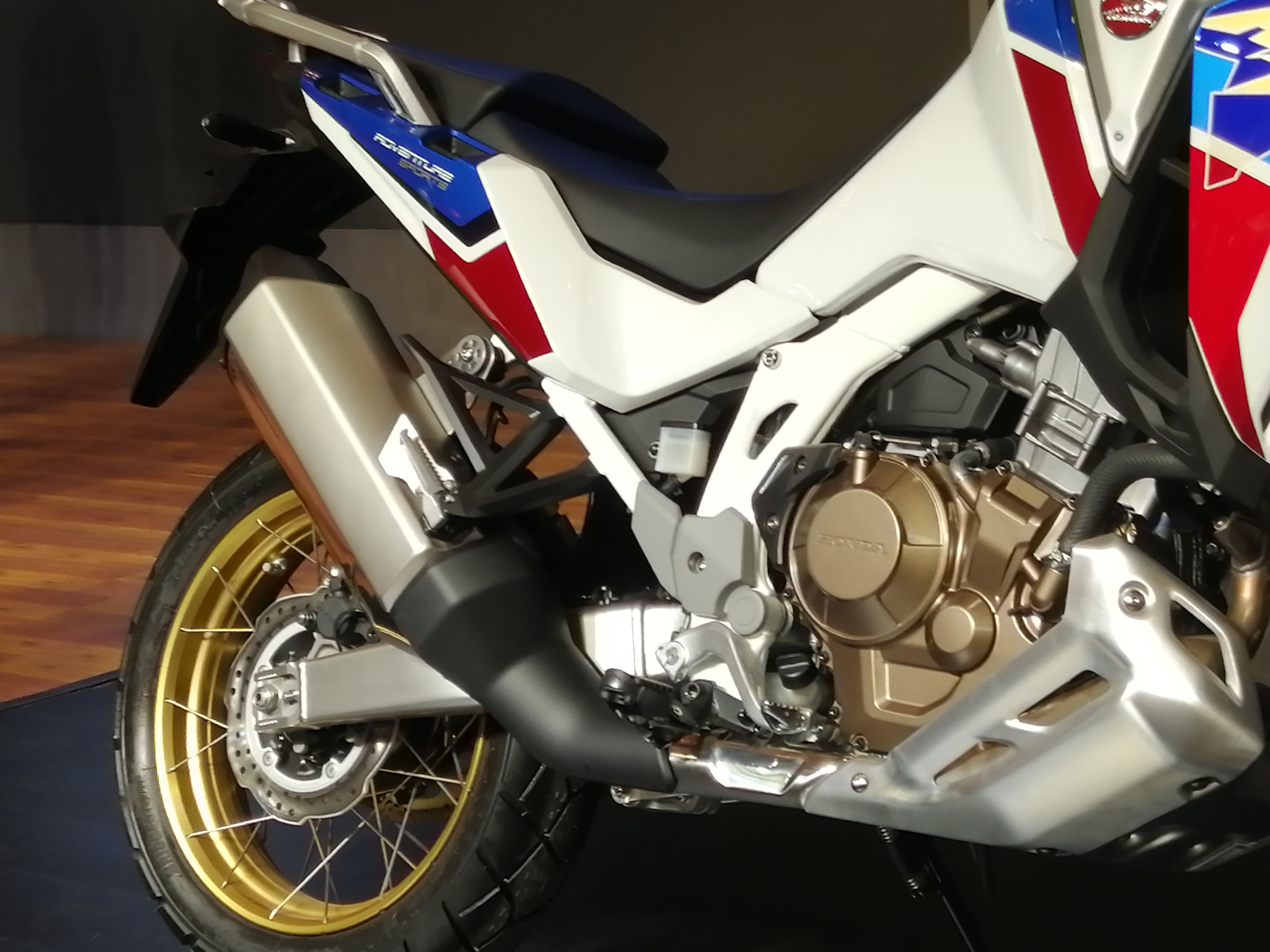 Honda's new Africa Twin has a bigger engine of 1084 cc compared to the previous 998 cc. The engine has dropped 5 kgs of overall weight and delivers 12% more power and 11% more torque.