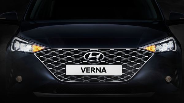 Hyundai has launched the new 2020 Verna sedan in the Indian market. The car gets a refreshed signature-style cascading chrome grille. It is flanked by the new LED headlamps and modern looking integrated LED DRLs on either sides.