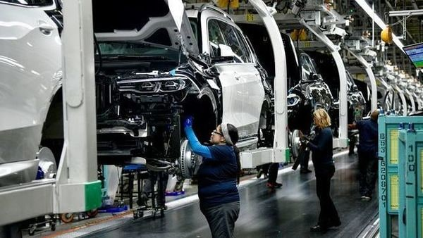 FILE PHOTO: X model SUVs being built on the assembly line at the BMW manufacturing facility in Greer, South Carolina, U.S. November 4, 2019. REUTERS/Charles Mostoller/File Photo (REUTERS)