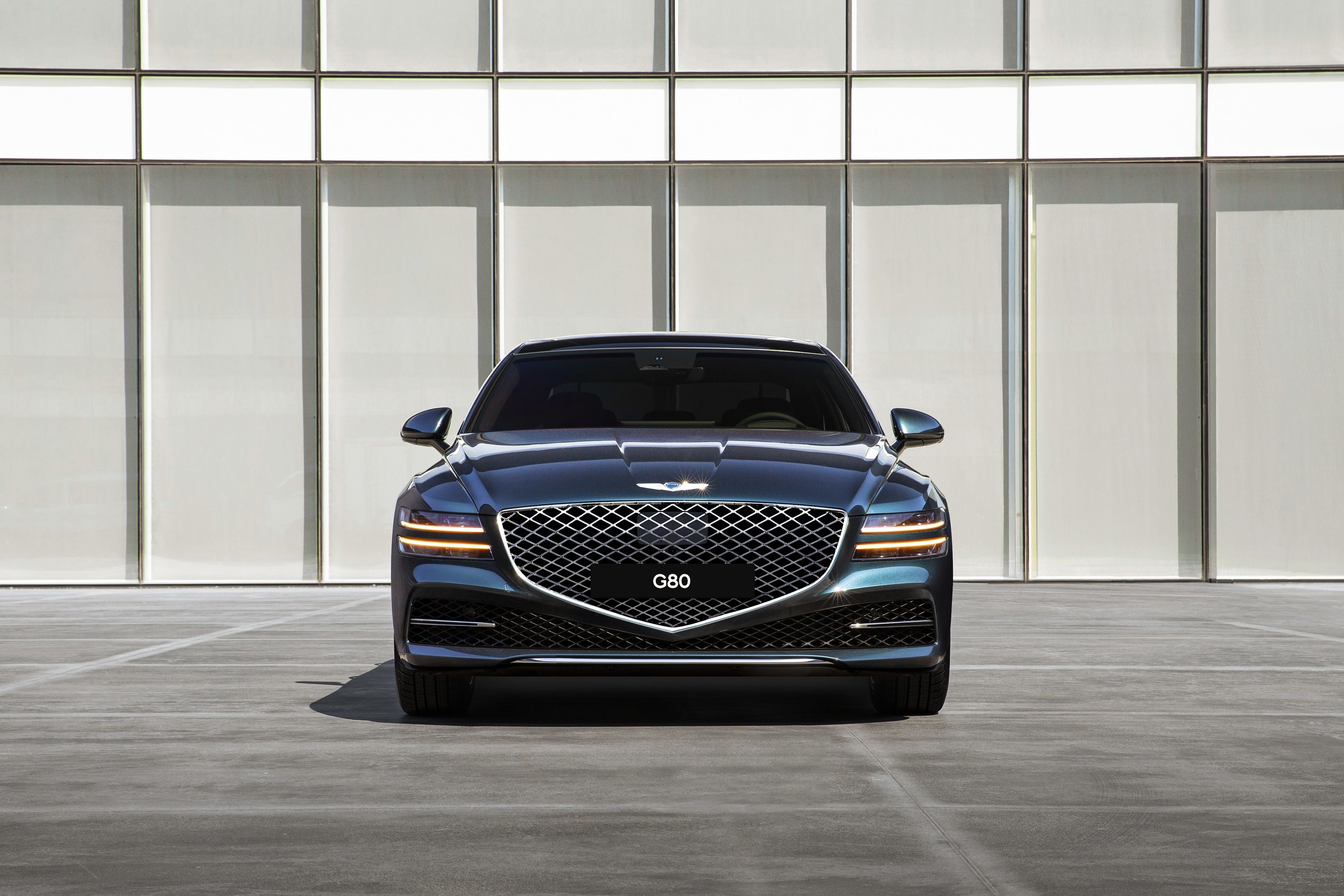 The G80 gets signature Genesis design elements which include high-tech quad headlights and a crested grille that emphasises seriousness consistent with the positioning of the G80.