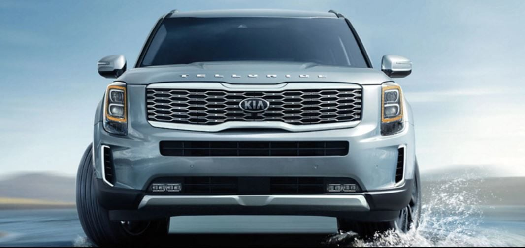 The Telluride gets extremely striking LED headlight and foglight cluster up at front and the SUV's name- much like in Range Rovers - sits just above the grille, giving it an unmistakably powerful appeal.