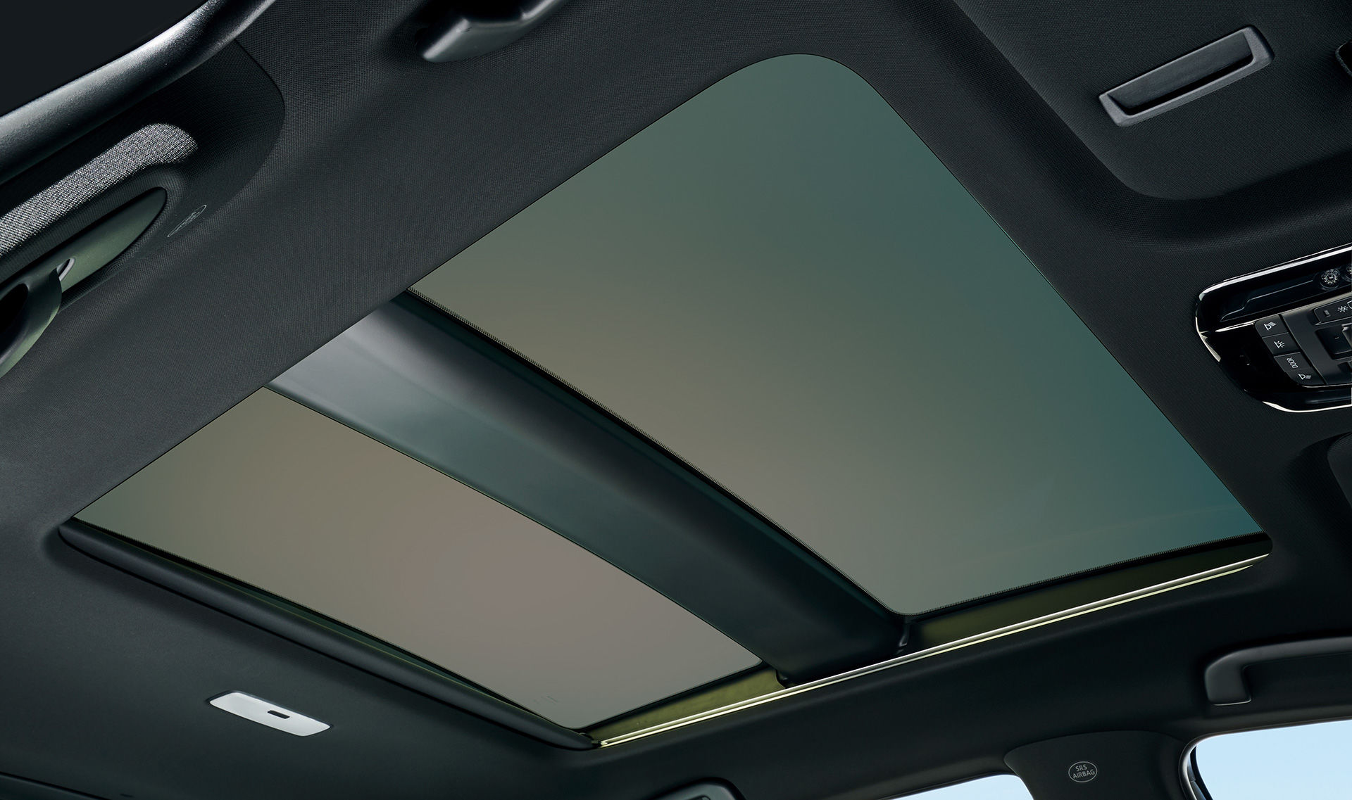 A panoramic sunroof, used for the first time by Toyota, is equipped with electric shades and electro-chromatic windows.