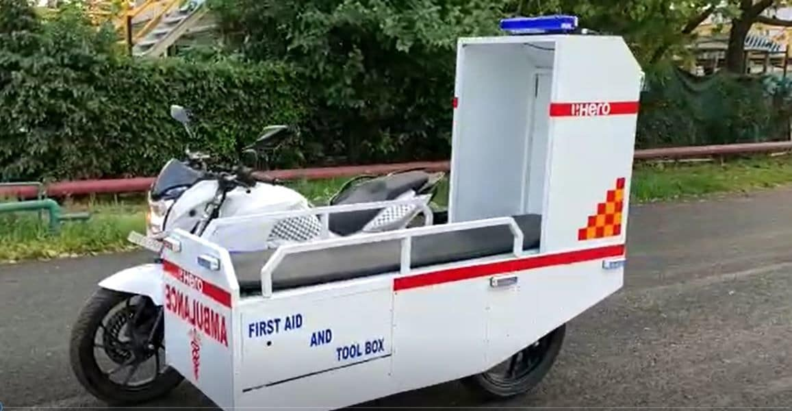 The Hero MotoCorp's first-responder mobile ambulance accessory kit includes first-aid kit, oxygen cylinder, fire extinguisher, as well as 'laying-down' arrangement for the patient.