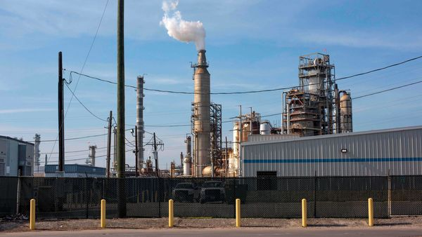 Smoke rises from the Valero Houston Refinery in Houston, Texas, on April 20, 2020. - US oil prices crashed to unprecedented lows on April 20 as futures in New York ended in negative territory for the first time amid a devastating supply glut that has forced traders to pay others to take the crude off their hands. (Photo by Mark Felix / AFP) (AFP)