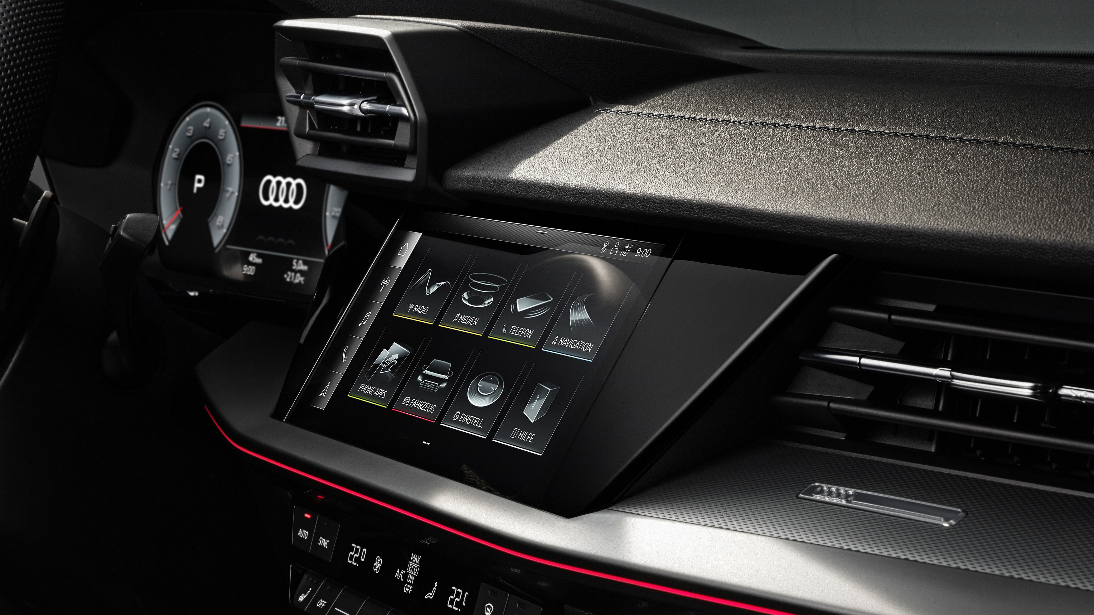 The A3 Sedan is also connected to the smartphone via the Audi smartphone interface, which integrates iOS and Android cell phones with Apple Car Play and Android Auto in the MMI, as well as via Audi phone box. The latter connects the device to the car antenna and can charge it inductively.
