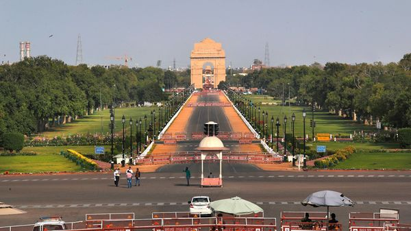 A view of a clear sky above India Gate in New Delhi. (AP)