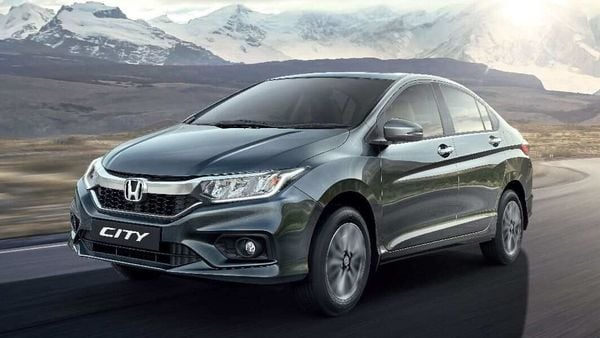 Several car makers, including Honda, have now strengthened their online sales platforms and brought dealerships under a single buy channel.