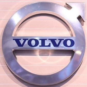 FILE PHOTO: The logo of Swedish truck maker Volvo is pictured at the IAA truck show in Hanover, September 22, 2016. REUTERS/Fabian Bimmer/File Photo (REUTERS)