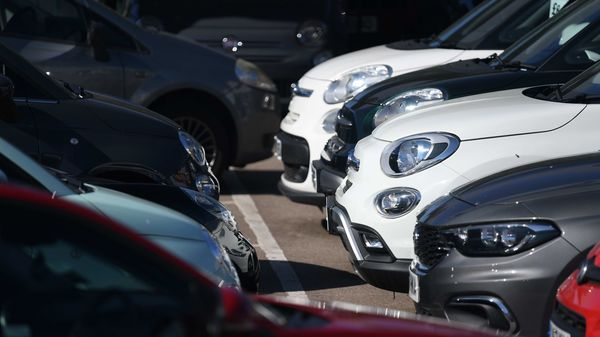 Germany holds off on cash-for-clunkers plan until early June