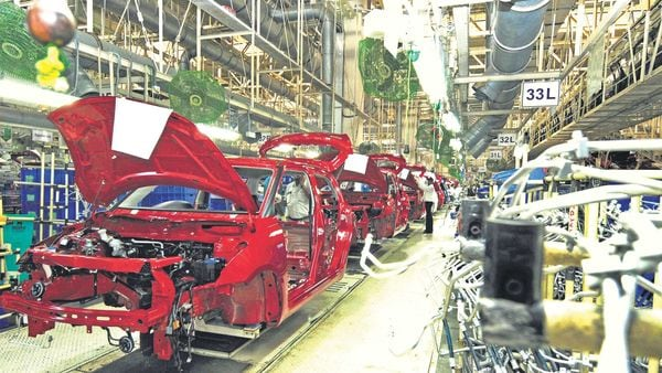Maruti plans a one-hour gap between shifts to allow for disinfecting common spaces. (MINT_PRINT)