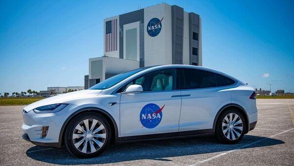 A Tesla Model X SUV wearing NASA badging ready to transport astronauts to launchpad. (Photo courtesy: Twitter/@JimBridenstine)