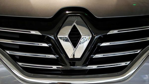 FILE PHOTO: A logo is seen on a Renault Espace car pictured at a dealership in Les Sorinieres near Nantes, France. (REUTERS)