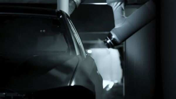 BMW Group applies AI solutions to increase paint shop quality.
