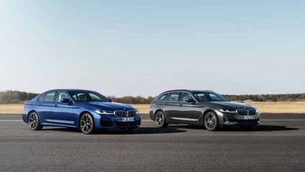 BMW has unveiled the 5 Series sedan with a plug-in hybrid option in a global premier through the digital platform.