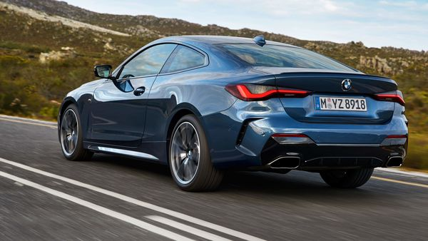 At the rear, the BMW 4 Series Coupe gets darkened taillights, exhaust pipes, a carbon fibre spoiler placed on top of the boot lid and a carbon fibre diffuser.
