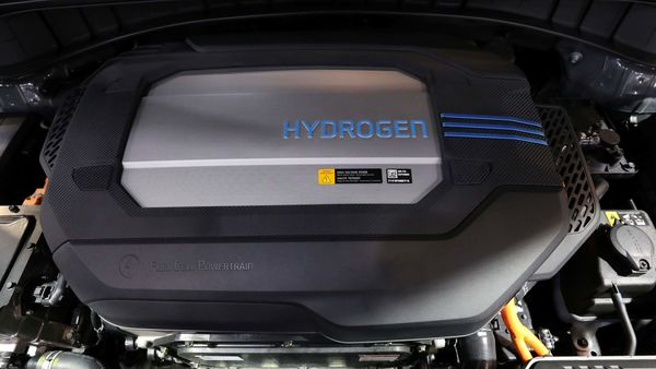 The engine of a Hyundai Nexo hydrogen electric vehicle is displayed at the Canadian International Auto Show in Toronto, Ontario, Canada February 18, 2020. REUTERS/Chris Helgren (REUTERS)