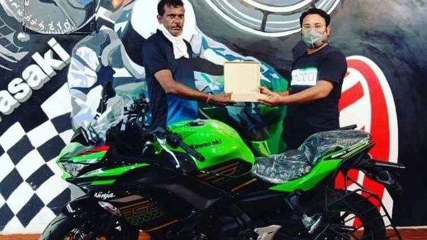 2020 Kawasaki Ninja 650 BS 6 getting delivered by Aurum Kawasaki. Image Courtesy: Aurum Kawasaki/Facebook.