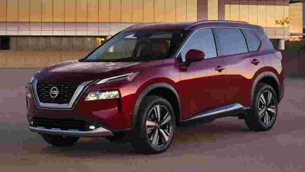 The new Nissan Rogue SUV gets major changes in design and technology, but is offered with the same old 2.5-litre engine.