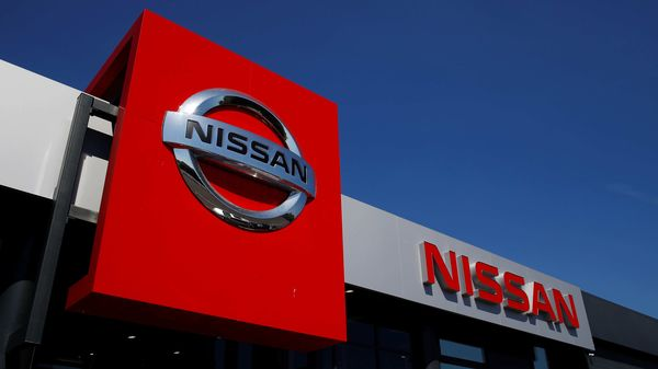 A Nissan car dealership is pictured in Northwich, following the outbreak of the coronavirus disease (COVID-19), Northwich, Britain, May 30, 2020. REUTERS/Jason Cairnduff (REUTERS)