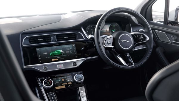 New I-Pace gets a spacious and luxurious interior. A 12.3-inch high-definition virtual instrument cluster, 10- and 5-inch upper and lower touchscreens and multi-function, haptic rotary controllers are matched to crisp, clean, contemporary graphics for an engaging, intuitive user experience.