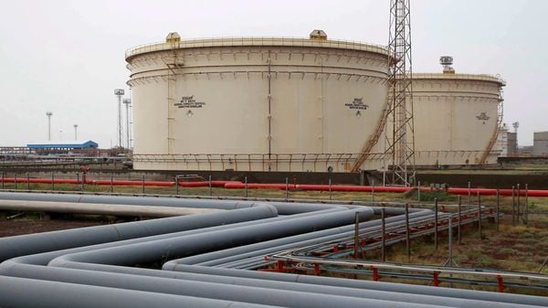 FILE PHOTO: Storage tanks of an oil refinery of Essar Oil, which runs India's second biggest private sector refinery, are pictured in Vadinar in the western state of Gujarat, India. (REUTERS)