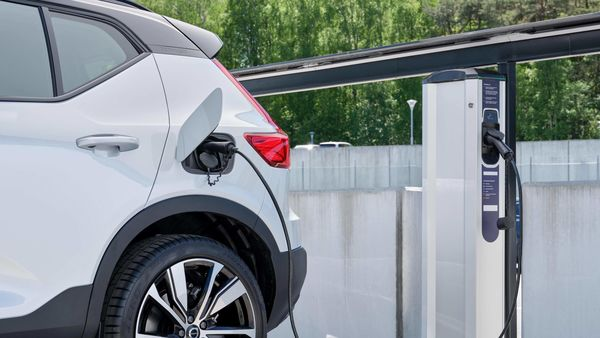 Customers will be able to charge their car with a contactless charge card or smartphone app in 38 European countries.